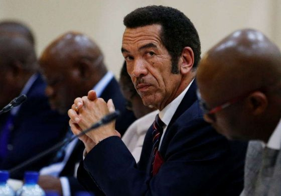 Botswana Leader Says Mugabe Departure 'Long Overdue'