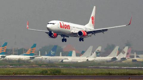 Indonesia Lion Air Flight Crashes Into Sea With 189 On Board